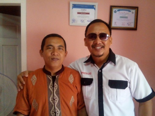 Kepala Cabang IZI Lampung Agus Rin Wirawan (kiri) bersama Pemimpin Redaksi Jejamo.com Adian Saputra. | Robi Brammana/jejamo.com
