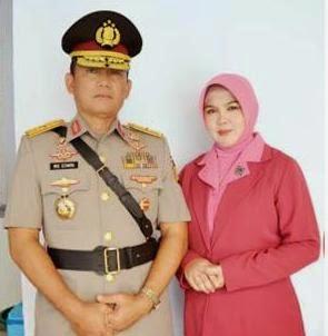 Kapolda Lampung Brigjen Ike Edwin bersama istri. | Ist