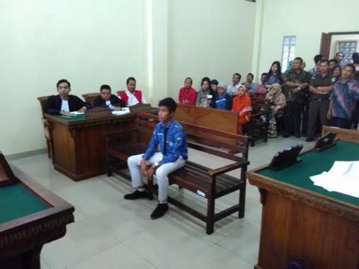 Sidang Kasus Pemukulan: Edi Susanto Tersinggung Karena akan Diinjak-Injak Korban