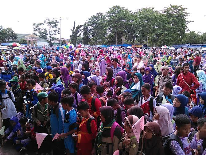 Hampir 10.000 peserta semarakkan pawai ta'aruf dalam rangka menyongsong Musda ke- 4 Muhammadiyah dan Aisiyah Kota Metro | Tyas/jejamo.com