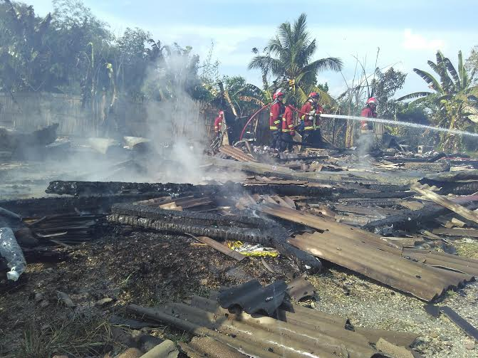 Breaking News: Saat Kebakaran Rumah Makan Cunpen ada Lima Pengunjung Sedang Makan