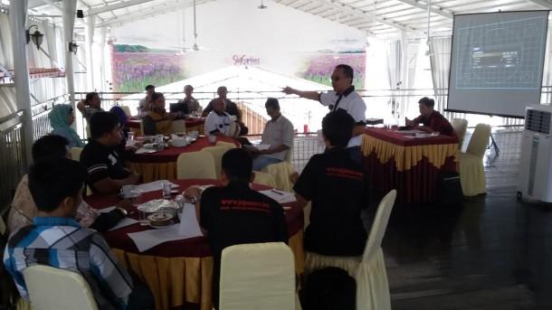 "Ratusan Kembang Telur Meriahkan ""Muludan"" Musala Babussalam Kaliawi Bandar Lampung"