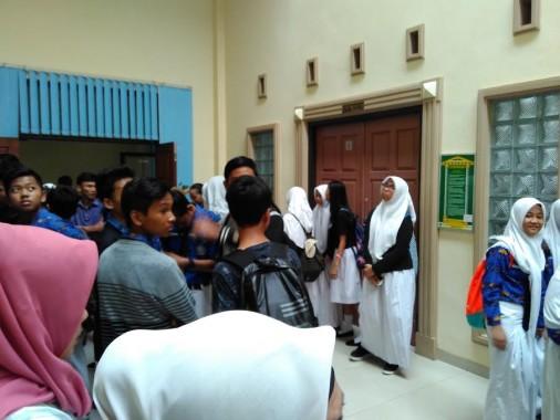 "Sidang Satpam, Siswa SMPN 1 Bandar Lampung ""Kepung"" PN Tanjungkarang"
