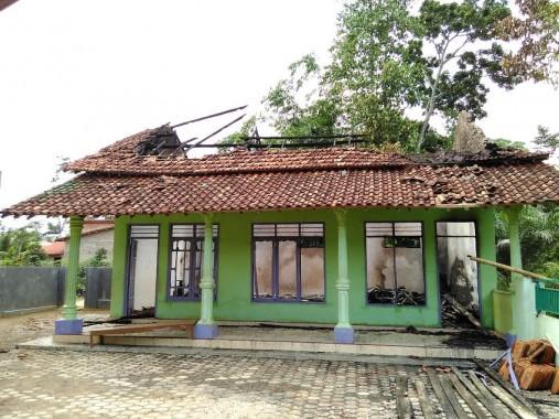 TPA Thoriqul Jannah Metro Terbakar, Anak-Anak Libur Ngaji