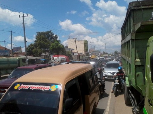 Tabrakan Truk di Natar, Jalinsum Lampung Selatan Macet Total