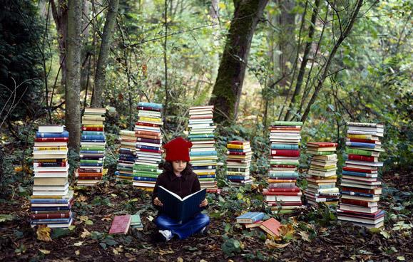 Membaca buku (Ilustrasi). |Ist.