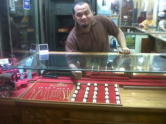 Harga Emas di Bandar Lampung Bertahan Rp470 Ribu Per Gram