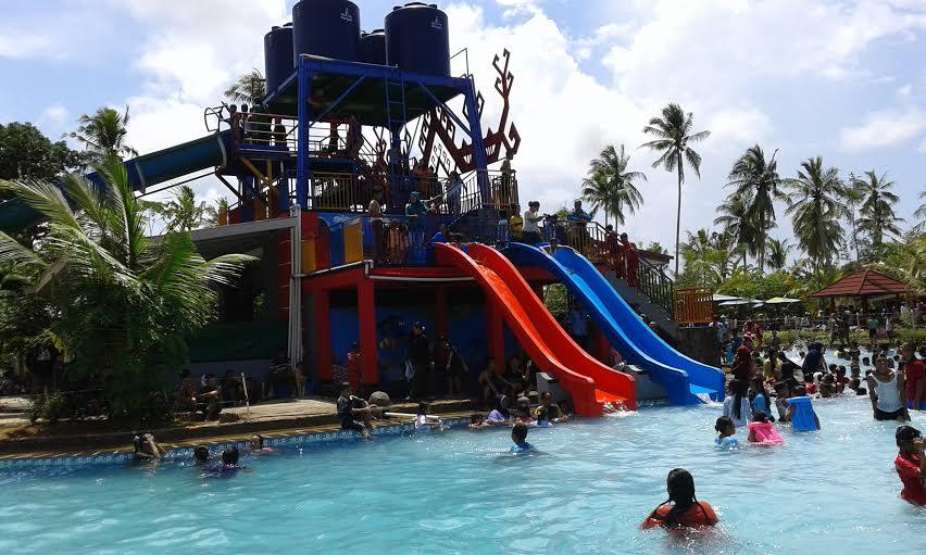 Kolam renang Negeri Baru Resort Lampung. | Heri/Jejamo.com