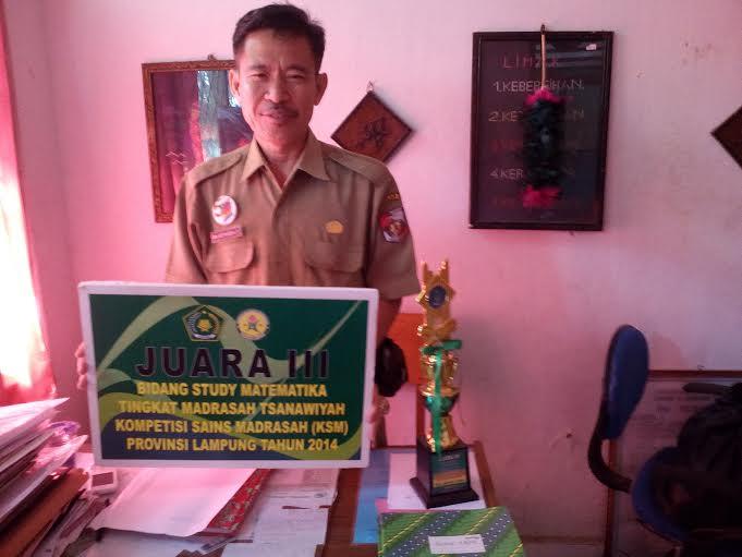 Wakil kepala sekolah bidang kesiswaan MTsN II Kotabumi, Drs. Ariyanson LD. | Buhairi Aidi/Jejamo.com