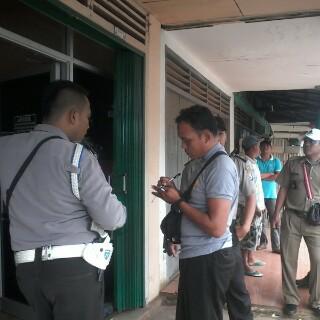 Kantor BMT Amanah Sentosa Abadi Pasar Way Mili, Lampung Timur disatroni perampok, Kamis, 14/1/2016. | Wahyu/Jejamo.com