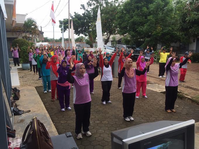 Senam bersama Puskesmas Kotabumi II Lampung Utara. | Buhari/Jejamo.com