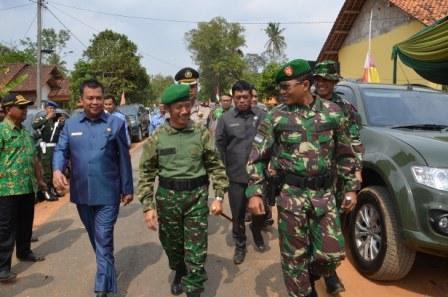 Pemkab Pringsewu-Kodim 0424 Serah Terima Karya Bhakti TNI 2015