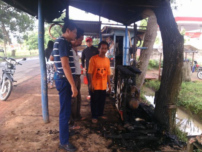 Apes! Dicuri, Tambal Ban Supriono Lampung Timur Juga Dibakar Maling