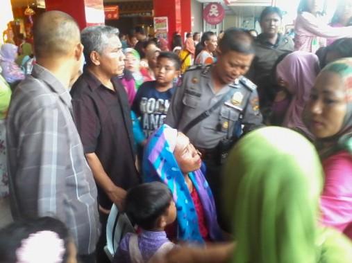 Breaking News: Asyik Nonton Sony Wakwaw, Wanita Ini Tak Sadar Kecopetan