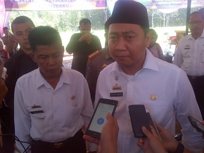 Bupati Lampura H Agung Ilmu Mangkunegara (kanan)| Lia/jejamo.com