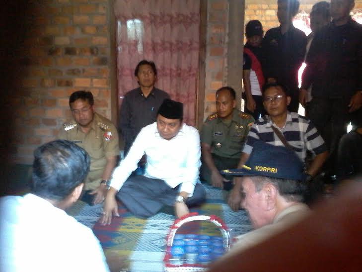 Breaking News: Bupati Lampung Utara Tinjau Lokasi Bentrokan Antarwarga di Bunga Mayang