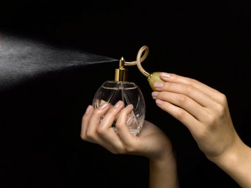 Begini Cara Menggunakan Parfum yang Benar