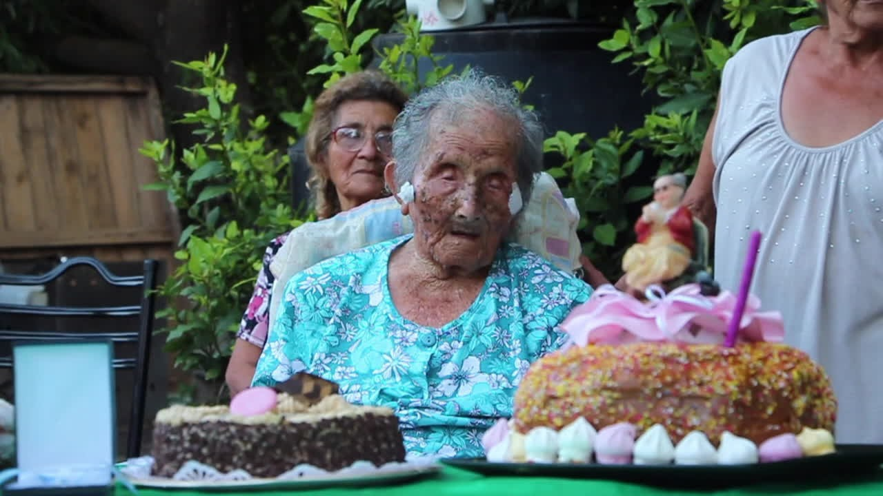 Wanita Tertua di Dunia: Rahasia Umur Panjangku adalah Jalan Kaki