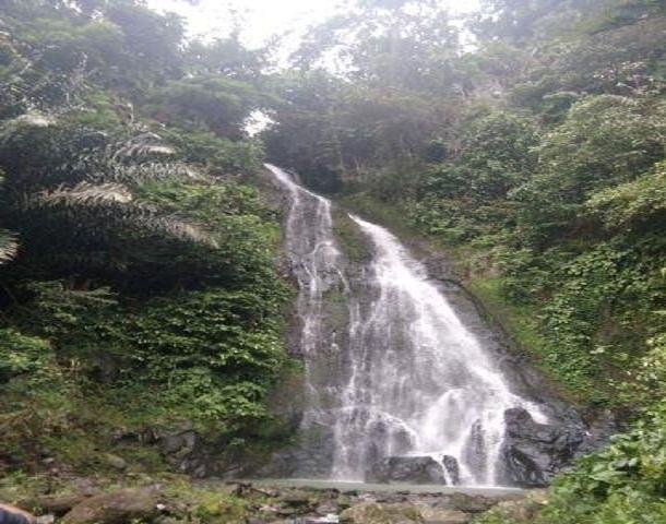 Air terjun Curup Kelawas Indah di Kecamatan Abung Selatan Lampung Utara | Rengki/jejamo.com