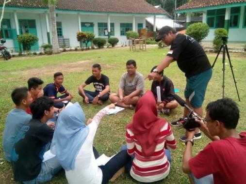 Anggota DPD Asal Lampung Andi Surya Dengar Pendapat Guru Honorer