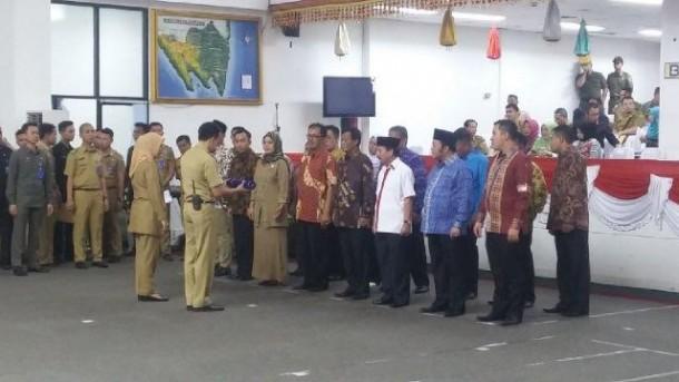 Hari ini pasangan calon kepala daerah mengikuti geladi resik untuk persiapan pelantikan Rabu besok, 17/2/2016. | Arif Wiryatama/Jejamo.com