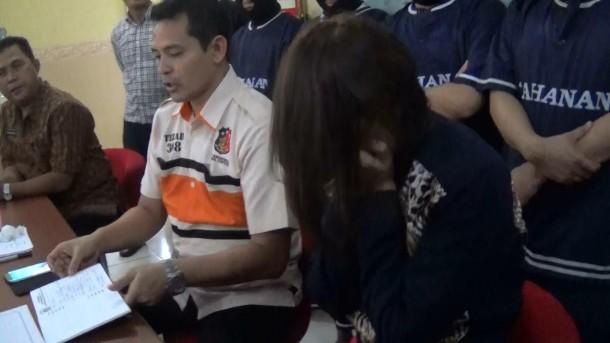 """Hesty """"Klepek-Klepek"""" Ditangkap di Lampung, Inilah Lirik Lagunya"""