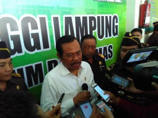 Jaksa Agung HM Prasetyo saat berkunjung ke Kejaksaan Tinggi Bandar Lampung, Kamis, 18/2/2016. | Andi Apriyadi/Jejamo.com