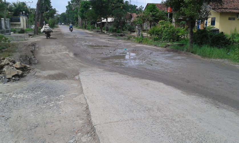 Baru Diperbaiki Jalan Merapi Lampung Tengah Kembali Rusak
