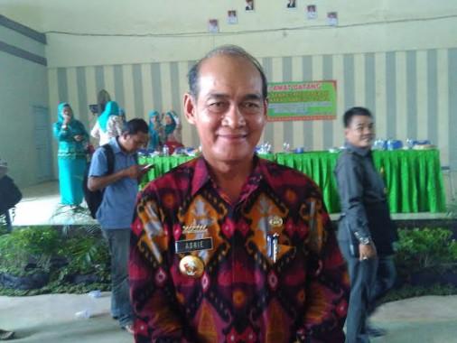 Temui Guru, Kadis Pendidikan Lampung Utara Bagi-Bagi Nomer Handphone