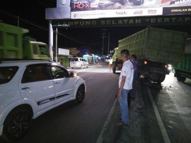 Breaking News: Toyota Rush Hantam Fuso di Hajimena Natar