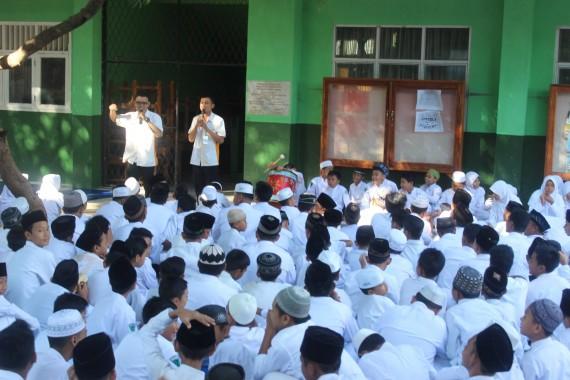 Salah satu kegiatan Ning's Course di sekolah. | Ist