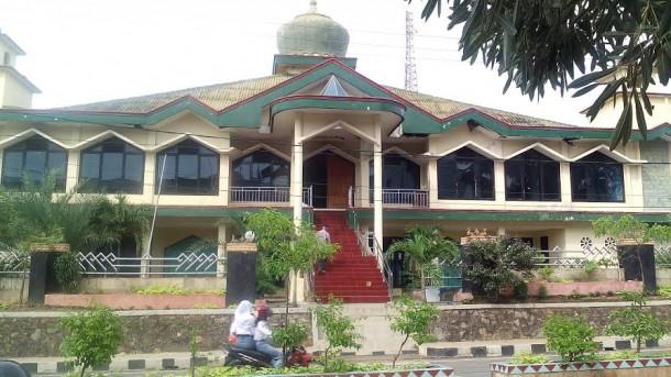 Jamaah Mengeluhkan Kondisi Keamanan di Masjid Jami Kotabumi
