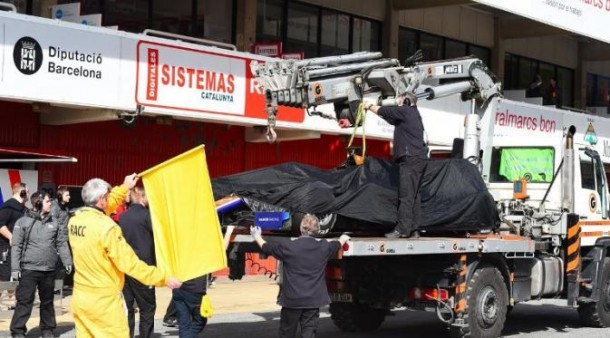 Mobil F1 Rio Haryanto diderek
