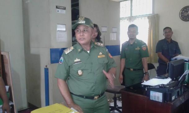 Nanang Ermanto saat berkunjung di Kantor Badan Kepegawaian Daerah dan Diklat(BKD) | Heri/jejamo.com