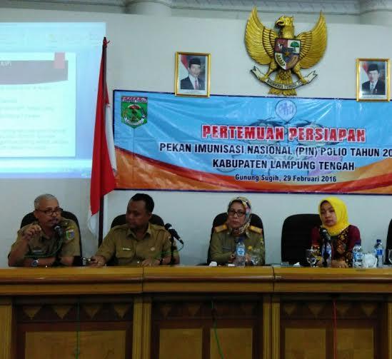 Ketua TIM Penggerak PKK Kabupaten Lampung Tengah, Hj. Nesi Mustafa (paling kanan) menghadiri pertemuan persiapan PIN | Raeza/jejamo.com