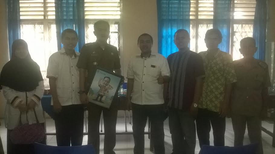 Kunjungan pengurus DPC PKS ke kantor kecamatan Kemiling Bandar Lampung, Selasa, 2/2/2016. | Ist.