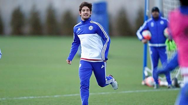 Pato Gusur Falcao dalam Skuat Liga Champions Chelsea