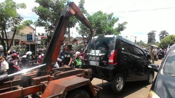 Suzuki Karimun wagon G-X dengan plat BG 51 FA yang  diduga ditinggalkan pelaku pencurian di RS diamankan di Mapolres Lampung Utara | Lia/jejamo.com