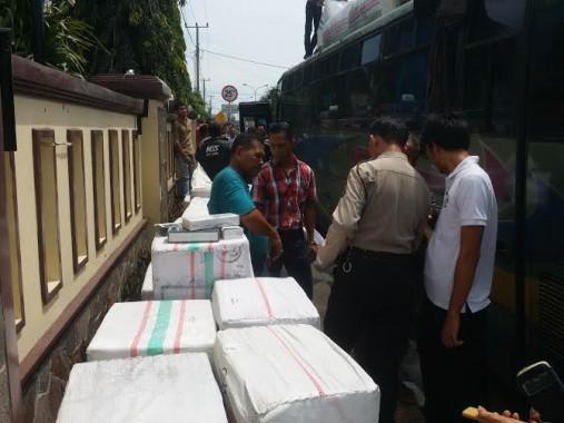 Polres Lampung Selatan Sita 30 Ball Rokok Tanpa Cukai di Jalinsum