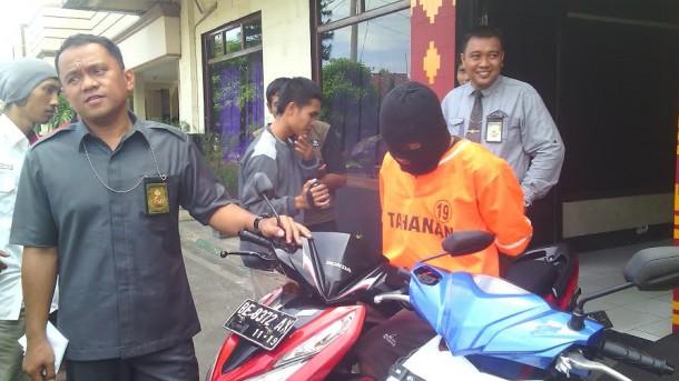 Pelaku Curanmor Ditembak Tekab 308 Polresta Bandar Lampung