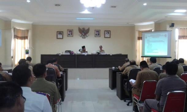 Satpol PP Lampung Utara Tertibkan Pedagang Musiman di Kotabumi