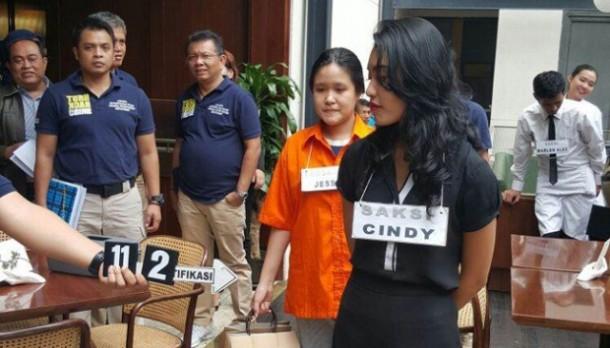 Polisi Gelar Dua Versi Reka Ulang Kasus Tewasnya Mirna Salihin
