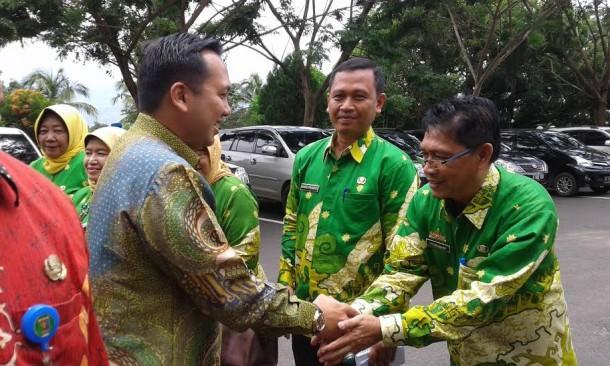 Rihdo Ficardo melakukan kunjunga ke Pemkab Lampung Selatan | Heri/jejamo.com