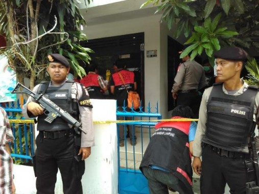 Rumah Orangtua Terduga Teroris Lampung Edi Santoso Diperiksa Intensif