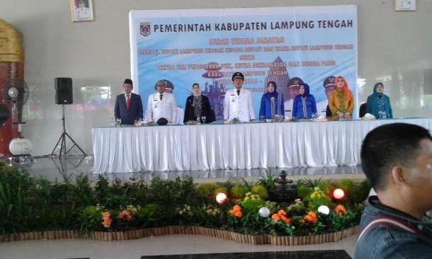 Sertijab Bupati dan Wakil Bupati Lampung Tengah dari Pj Bupati Edarwan kepada Mustafa dan Loekman Djoyosoemarto, Kamis, 18/2/2016 | Rian/jejamo.com