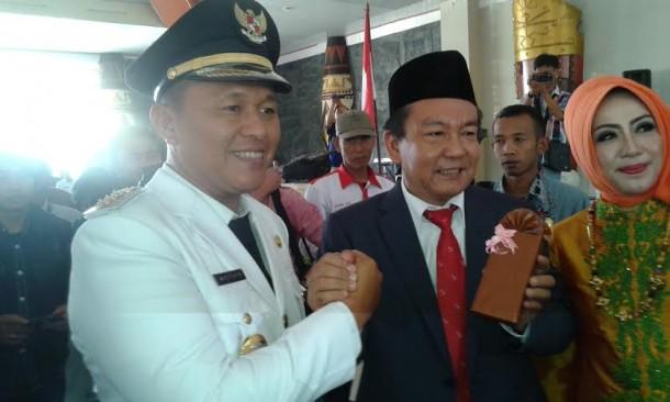 Bupati Lampung Tengah Mustafa dan mantan Pj bupati Endarwan | Rian/jejamo.com