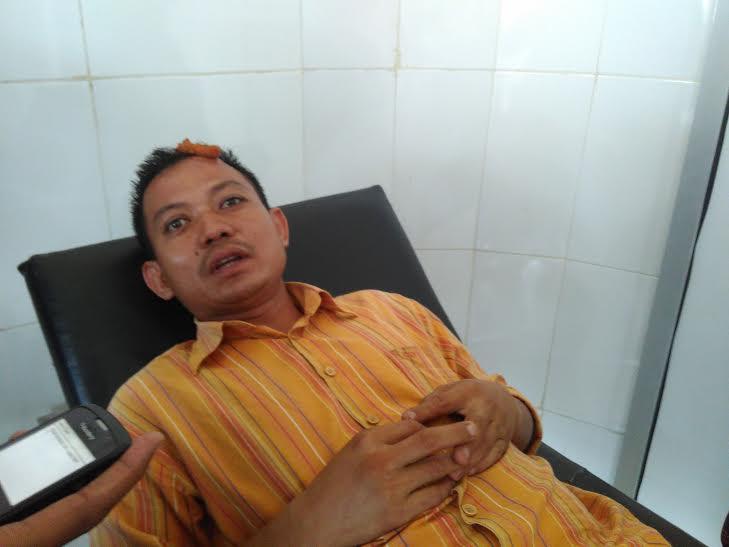 Faisal Tanjung, sopir BRT jurusan Rajabasa yang mengaku dibacok oleh Sopir Angkot di Terminal Rajabasa, Jumat siang, 26/2/2016 | Andi/jejamo.com