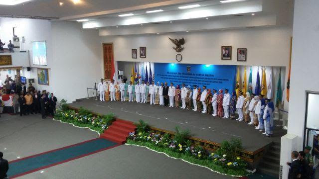 Acara pelantikan 8 kepala daerah terpilih hasil Pilkada Serentak Provinsi Lampung | Tama/jejamo.com