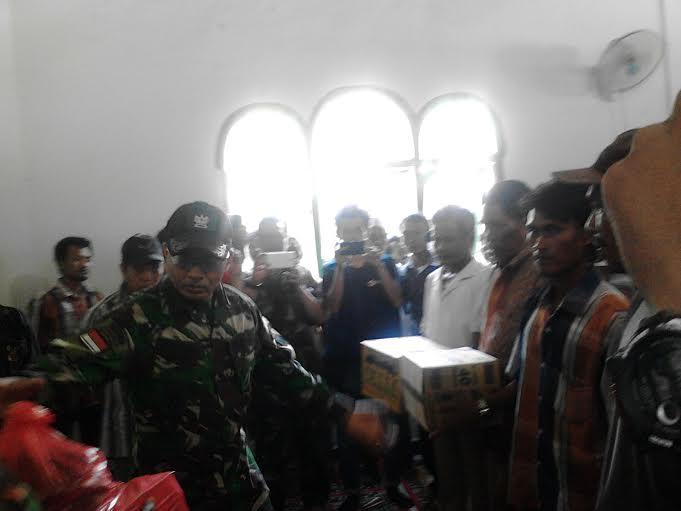 Korem 043/Gatam dan PMI Santuni Korban Bentrokan Lampung Utara