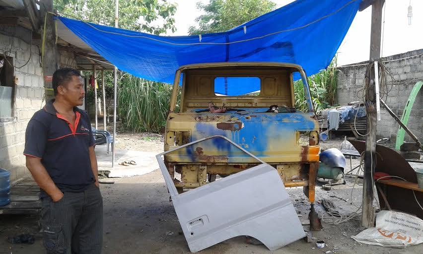 Usaha bengkel las di Kabupaten Lampung Tengah lesu menyusul tingginya persaingan dan daya beli masyarakat yang rendah. | Adrian Arlambang/Jejamo.com